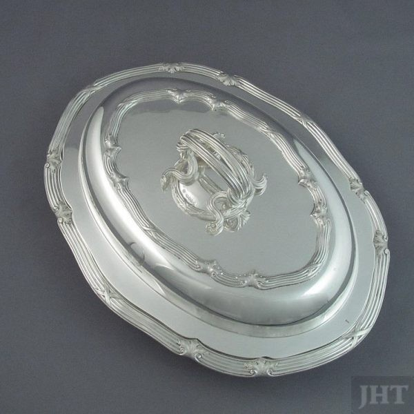 A fine quality early Victorian sterling silver entree dish by renowned makers John Mortimer & John Samuel Hunt, hallmarked