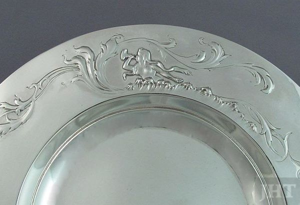 A small French .950 silver dish or coaster by Ernest Cardeilhac (Maison Cardeilhac), Paris c. 1890. Circular with embossed
