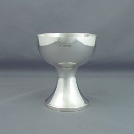 An Arts and crafts silver chalice (or goblet) by Edward Barnard & Sons, hallmarked London 1913. Hemispherical