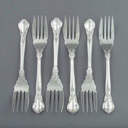 A set of 6 sterling silver pastry forks (or salad fork) in Chantilly pattern by Birks, Montreal c. 1950.