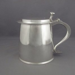 A massive and fine quality English sterling silver tankard in the Queen Anne style by Tessiers Ltd, London 1958.